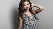 Listen to radio Selena Gomez a come and get it