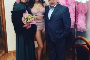 Эвелина Блёданс В Коротком Платье В Передаче «Сексуальная Революция»